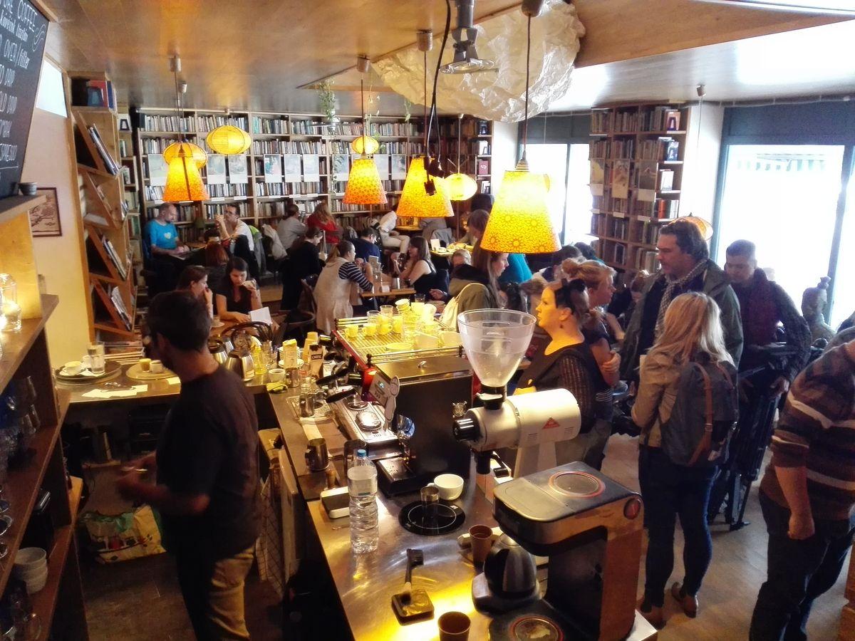 Kelet kávézó