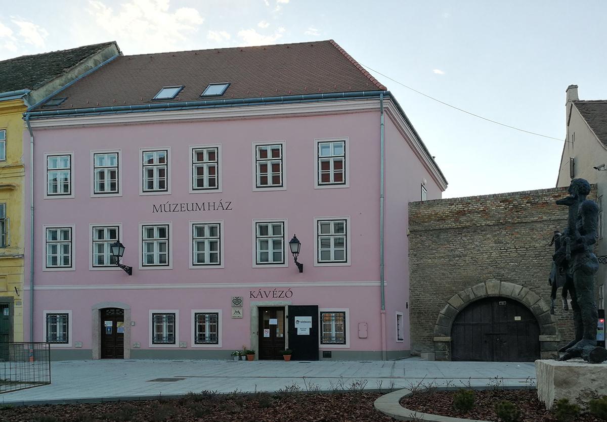 Múzeumház